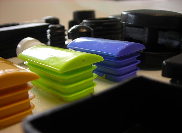Recipientes de plástico para la cocina fabricados por Erce